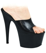 Sandalo nero in pelle